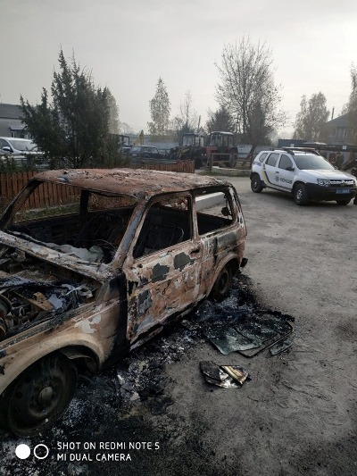 На Олевщині екологам, які приїхали на перевірку в лісгосп, спалили авто