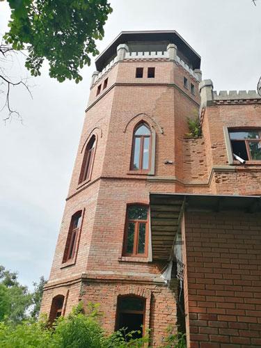 На Житомирщині зберігся млин у вигляді готичного замку
