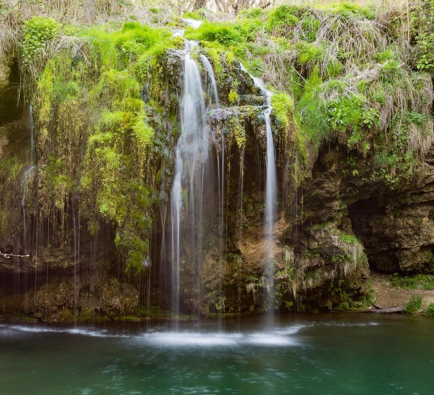 Показали 5 маловідомих місць України для фантастичного відпочинку
