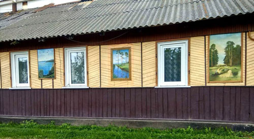 На Житомирщині 83-річний чоловік влаштував на своєму подвір'ї картинну галерею